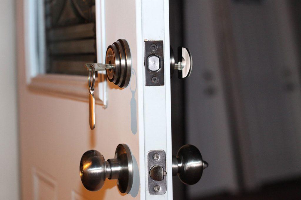 تعویض قفل درب ضد سرقت